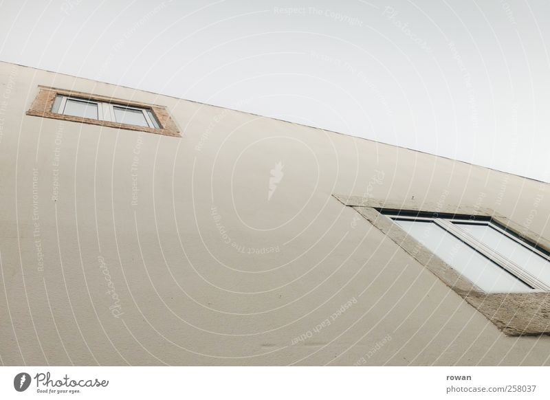 Sky White House (Residential Structure) Window Wall (building) Architecture Building Wall (barrier) Glass Facade Living or residing Manmade structures Portugal