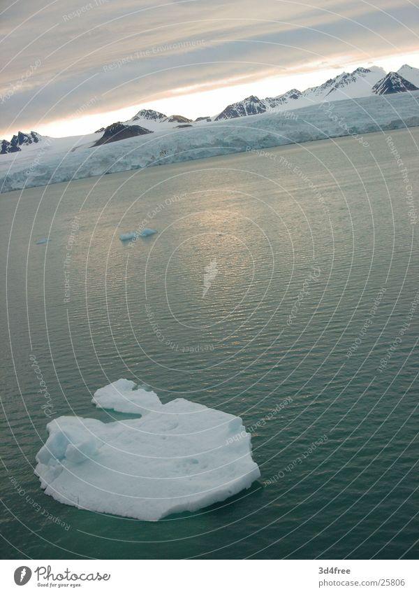 Ocean Cold Snow Lake Ice Real estate Iceberg Cruise Norway Ice floe Antarctica Nordland