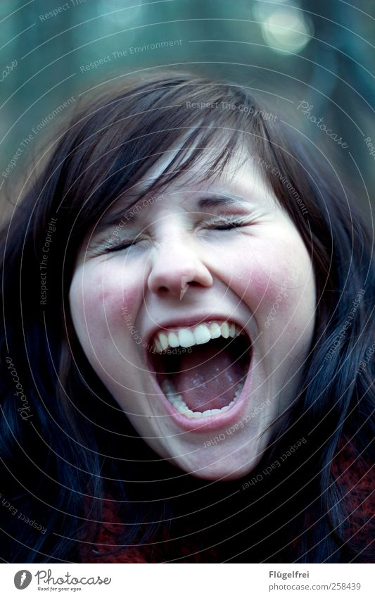 cry of happiness Feminine Young woman Youth (Young adults) Teeth 1 Human being 18 - 30 years Adults Scream Wrinkle Hair and hairstyles Loud Happy Anger
