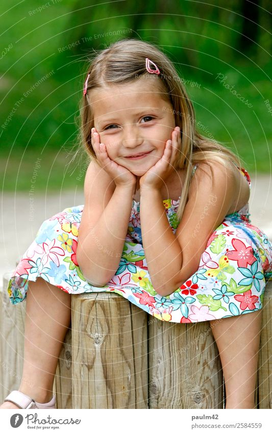 Lucia Human being Feminine Child Toddler Girl Brothers and sisters Sister Infancy 1 3 - 8 years Relaxation Looking Sit Authentic Friendliness Happiness Fresh