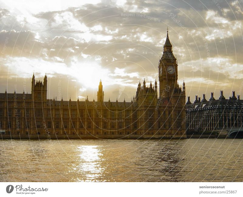 Water Sun Clouds Europe Clock Past London Houses of Parliament Themse Big Ben