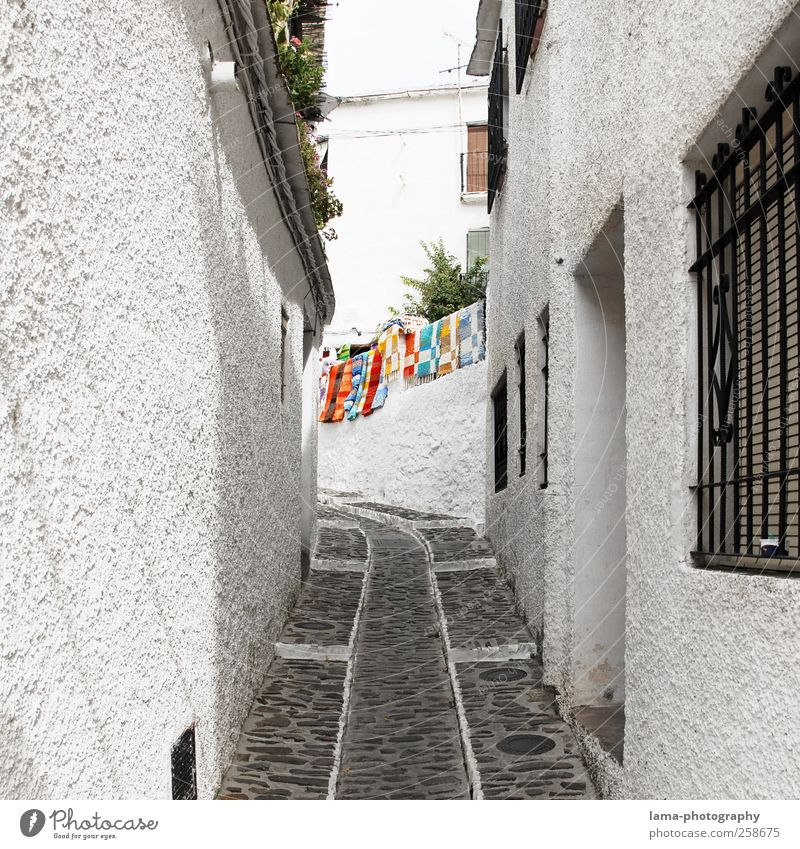 White Vacation & Travel House (Residential Structure) Wall (building) Lanes & trails Wall (barrier) Tourism Village Spain Alley Carpet Mediterranean Lime