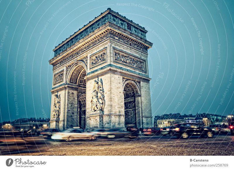 Arc de Triomphe (Paris) Capital city Building Architecture Road traffic Motoring Car Threat Brave Movement Colour photo Exterior shot Copy Space right Evening