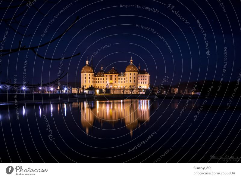 Moritzburg at night Town Populated Castle Tower Gate Manmade structures Building Architecture Facade Tourist Attraction Landmark Monument Water