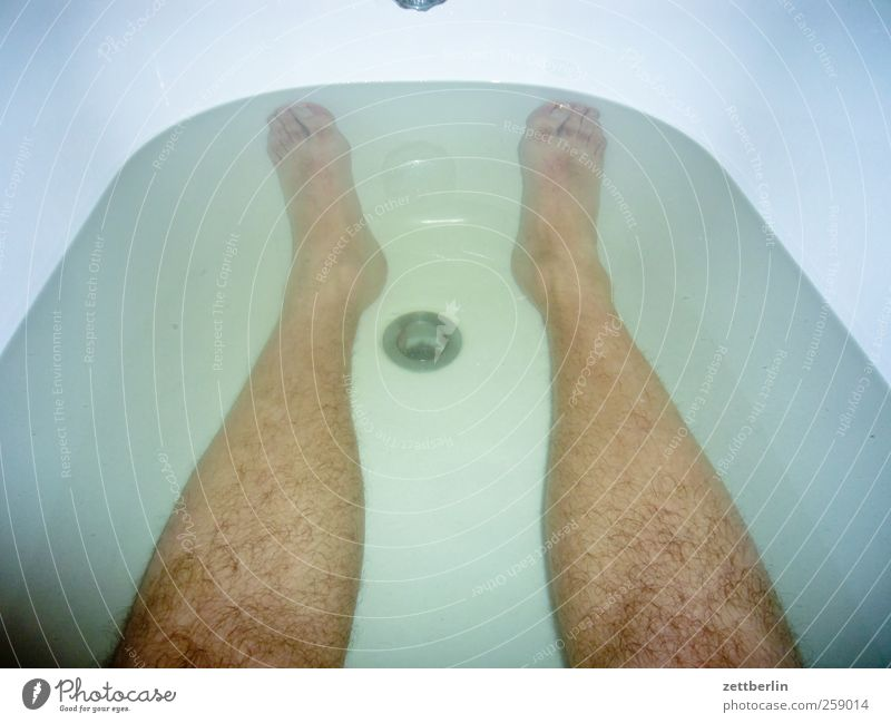 tub Beautiful Personal hygiene Wellness Bathtub Bathroom Man Adults Legs Feet 1 Human being Water Clean bathe Foam Foam bath wallroth Wash water fowl Dive
