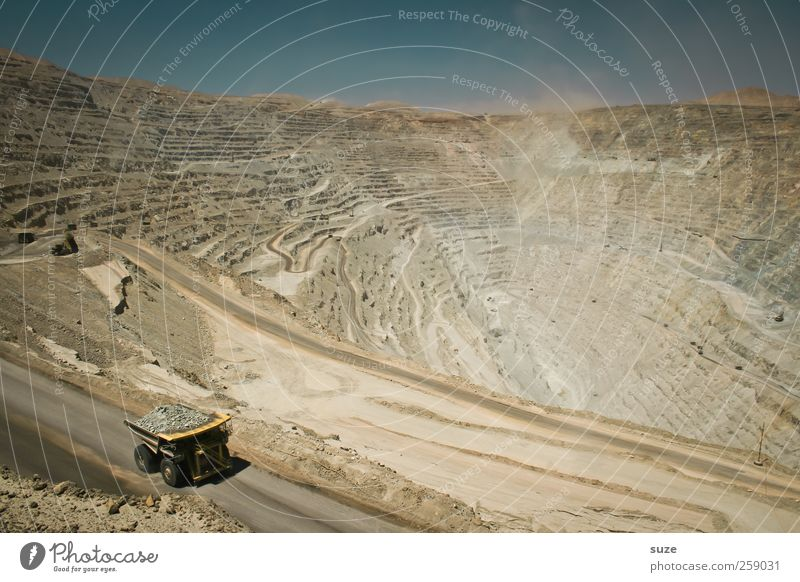 chuquicamata Construction machinery Industry Environment Elements Earth Sand Sky Cloudless sky Transport Street Lanes & trails Vehicle Truck Exceptional Dirty