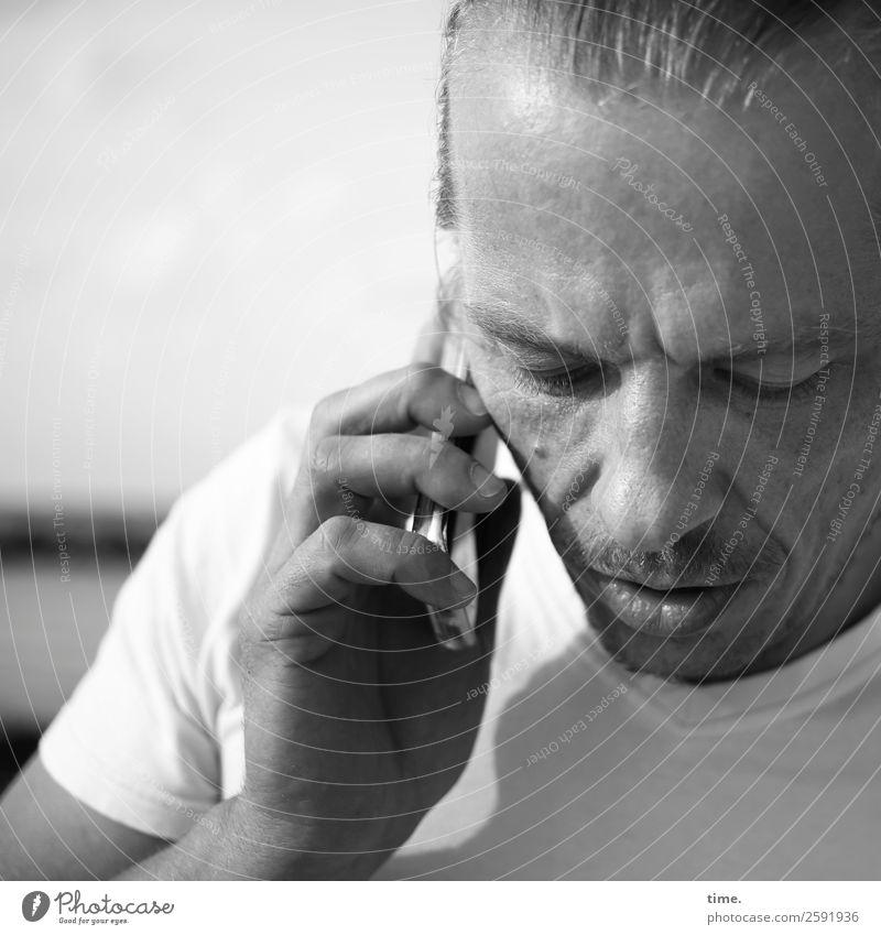 Human being Man Adults Friendship Moody Masculine Communicate Technology Telecommunications Beautiful weather Curiosity Telephone T-shirt Contact Listening