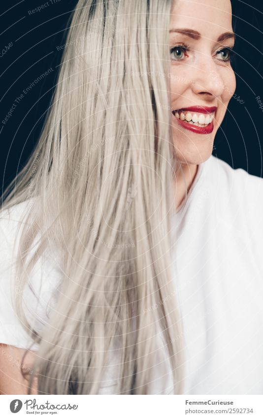 Smiling woman with long grey dyed hair Feminine Woman Adults 1 Human being 18 - 30 years Youth (Young adults) 30 - 45 years Beautiful platinum blonde Gray
