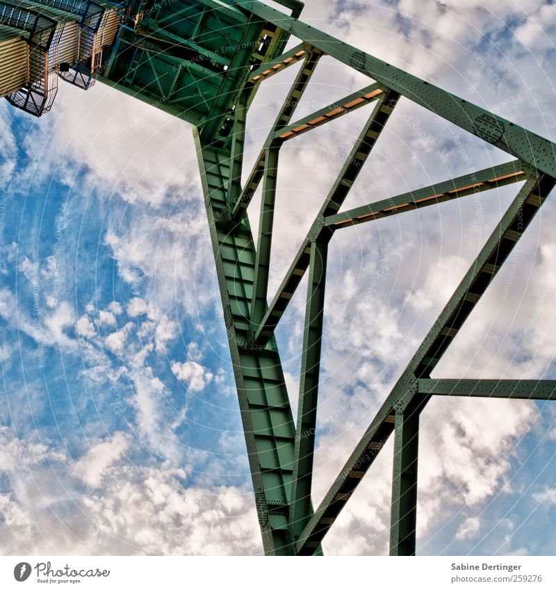 Sky Old Clouds Architecture Work and employment Esthetic Industry Tower Manmade structures Historic Steel Monument Museum Nostalgia Effort Tourist Attraction
