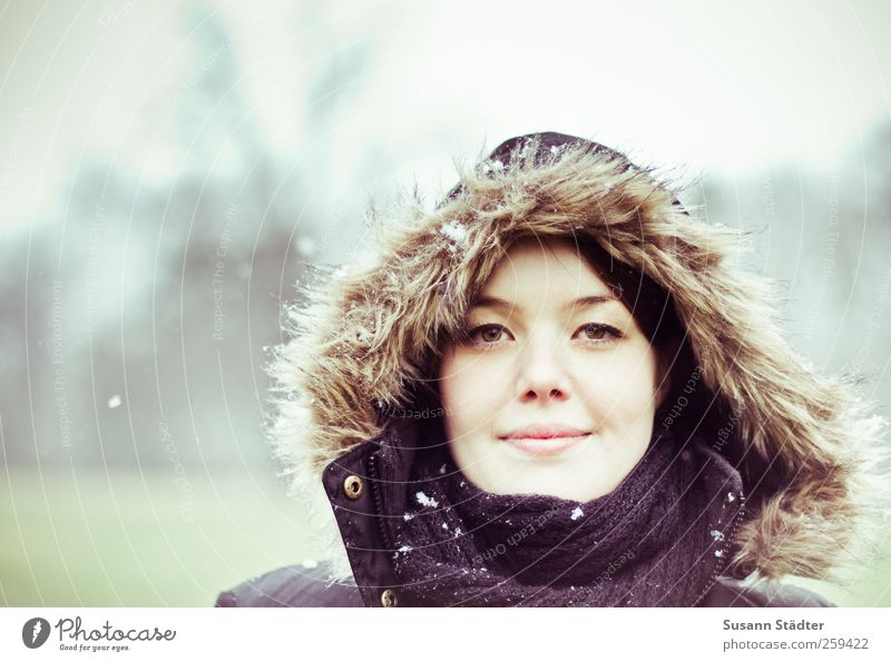 . Feminine Head Face 1 Human being 18 - 30 years Youth (Young adults) Adults Winter Snow Snowfall Smiling Brave Determination Success Contact Ease Pride Dream