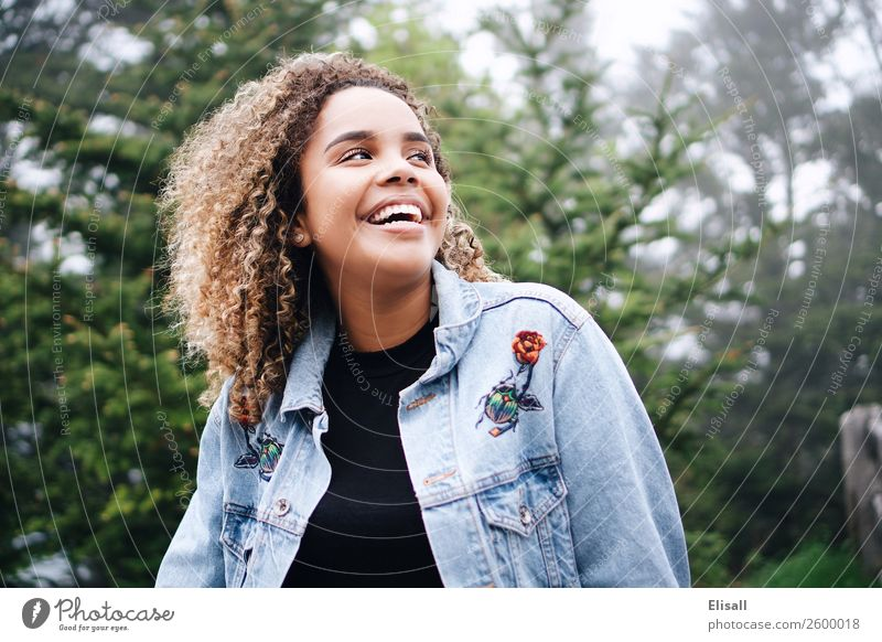Happy smiling woman Lifestyle Joy Human being Feminine Youth (Young adults) 1 Emotions Moody Virtuous Happiness Joie de vivre (Vitality) Spring fever Enthusiasm