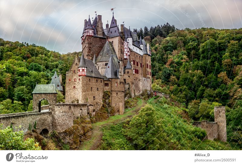 Castle Eltz Vacation & Travel Tourism Sightseeing Hiking Architecture Culture Nature Landscape Autumn Forest Hill Canyon Valley wierschen Eifel