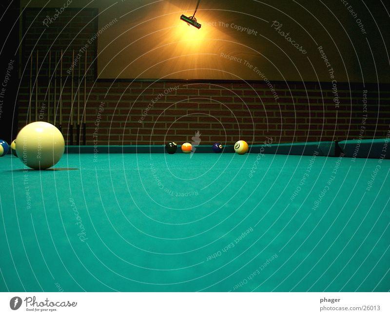 Green Swimming pool Leisure and hobbies Sphere Pool (game) Felt Queue Billard bowle