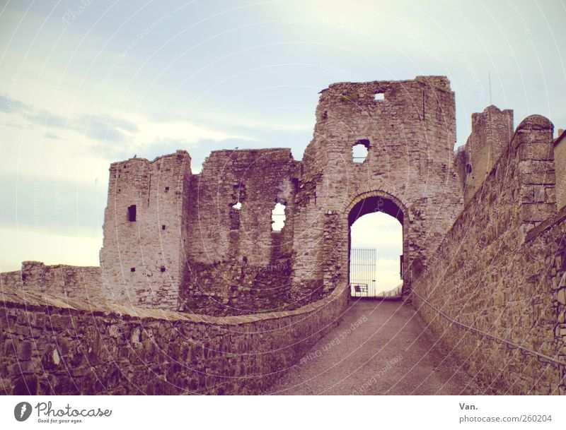 Sky Old Blue Red Clouds Window Wall (building) Wall (barrier) Stone Large Castle Derelict Tourist Attraction Gate Ruin Destruction