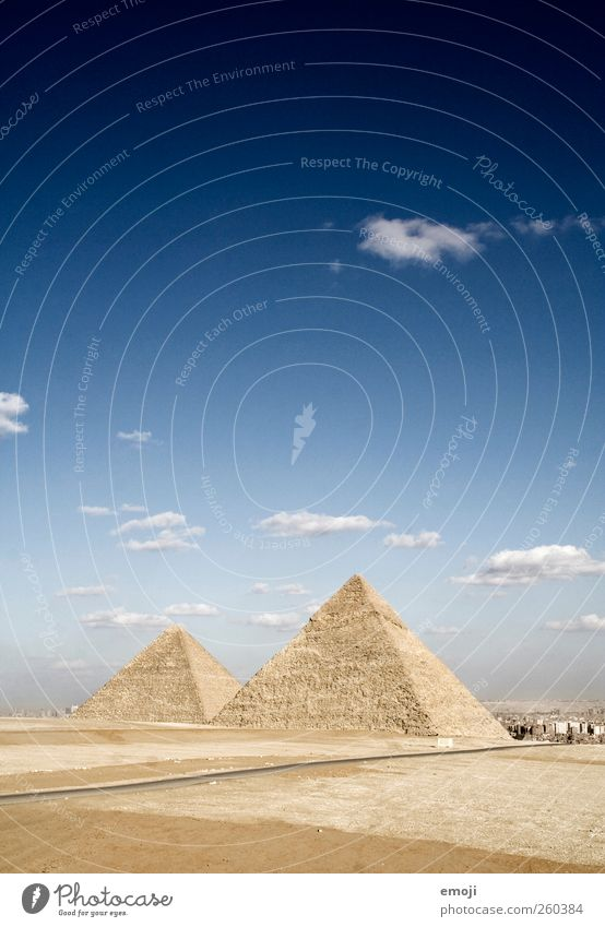 Sky Nature Environment Landscape Art Exceptional Culture Desert Beautiful weather Historic Past Drought Pyramid Giza Cultural monument Pyramids of Gizeh