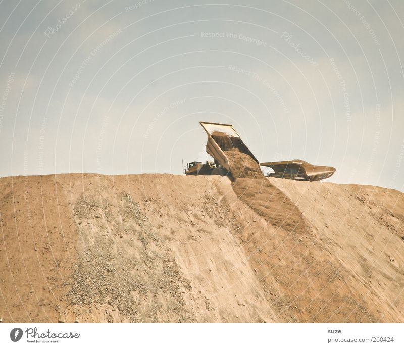 Sky Environment Sand Earth Dirty Transport Exceptional Change Construction site Industry Elements Truck Vehicle Chile Cloudless sky Mining