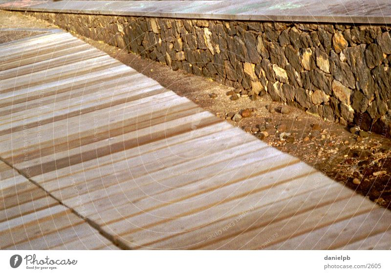 Nature Wood Stone Wall (barrier) Lanes & trails Footbridge Vanishing point