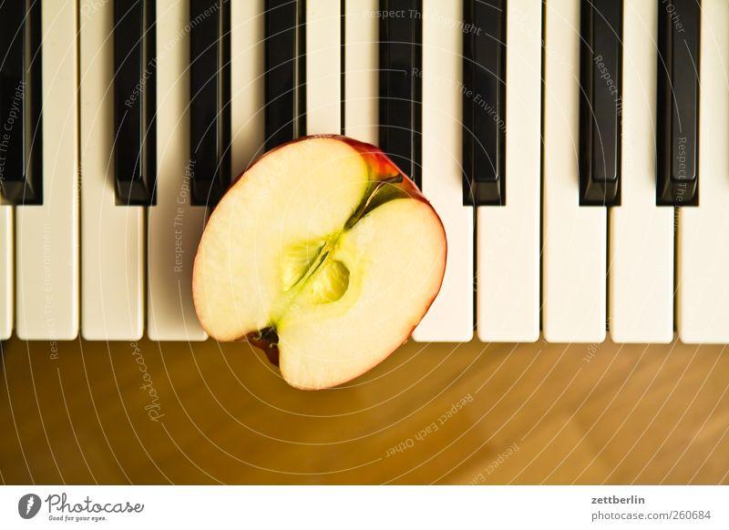Playing Music Art Food Leisure and hobbies Fresh Apple Keyboard Organic produce Piano Half Vitamin Tone Senses Vegetarian diet Musical instrument