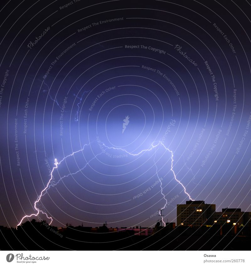 Urban thunderstorm Thunder and lightning Lightning Lightning bolt Town Silhouette Building High-rise Skyline Horizon Clouds Aurora Borealis Electricity Tension