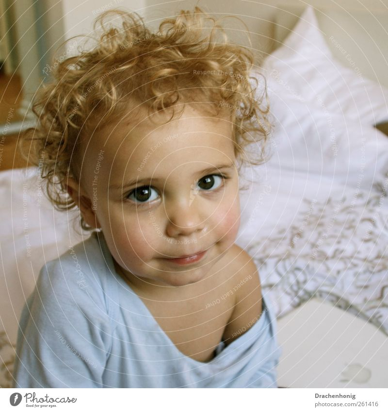 Human being Child Beautiful Calm Life Boy (child) Hair and hairstyles Infancy Blonde Living or residing Bed Warm-heartedness Trust Toddler Serene Curl