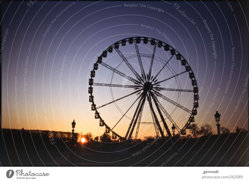 Sky Contentment Esthetic Warm-heartedness Round Lantern Cloudless sky Wheel Paris Rotate Analog Frame Anticipation Ferris wheel Vignetting Sunset