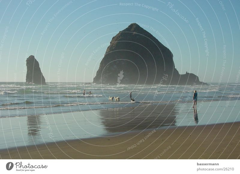 Ocean Summer Beach Vacation & Travel Rock Cliff Pacific Ocean Oregon West Coast Cannon Beach