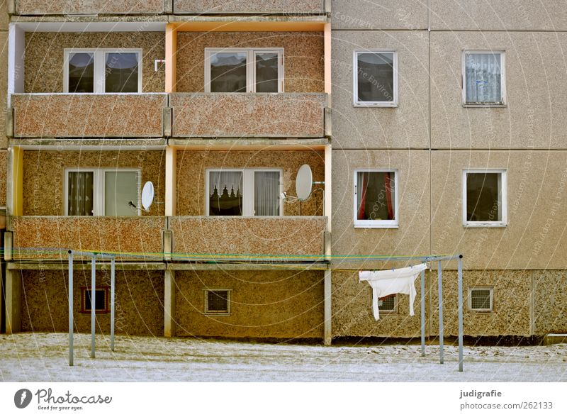 City House (Residential Structure) Window Wall (building) Architecture Wall (barrier) Building Moody Facade Living or residing Village Balcony Trashy Curtain Prefab construction Clothesline