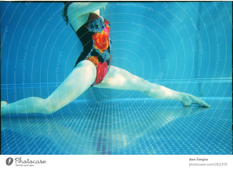 ...and then a splits. Elegant Well-being Swimming & Bathing Leisure and hobbies Aquatics Feminine Young woman Youth (Young adults) Body 1 Human being