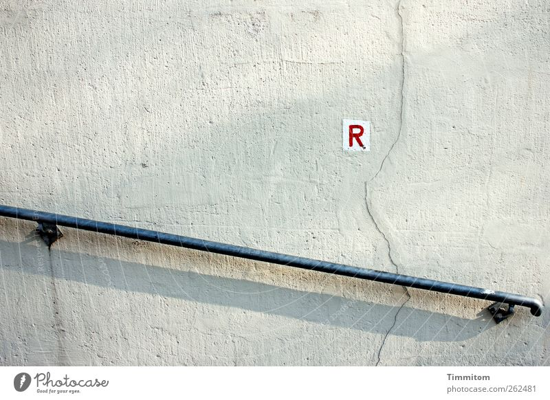 R Hiking Heidelberg Wall (barrier) Wall (building) Handrail Sign Characters Signs and labeling Gray Red White Orientation Clarity Supporting Colour photo