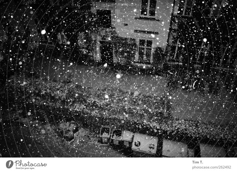 Winter in Berlin Weather Snow Snowfall Capital city Downtown Old town Deserted House (Residential Structure) Loneliness Black & white photo Exterior shot Night