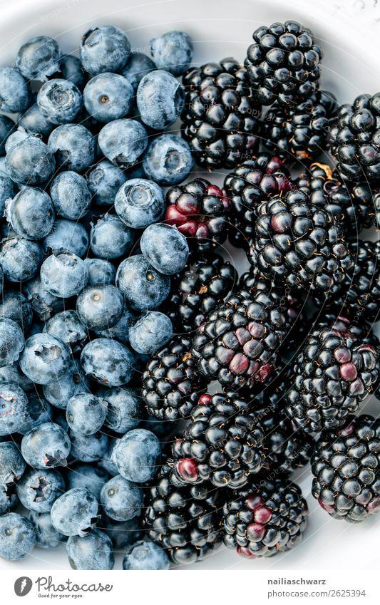 Blueberries meet blackberries Food Fruit Blackberry Blueberry Blueberry blossom Nutrition Organic produce Vegetarian diet Diet Fragrance Fresh Healthy