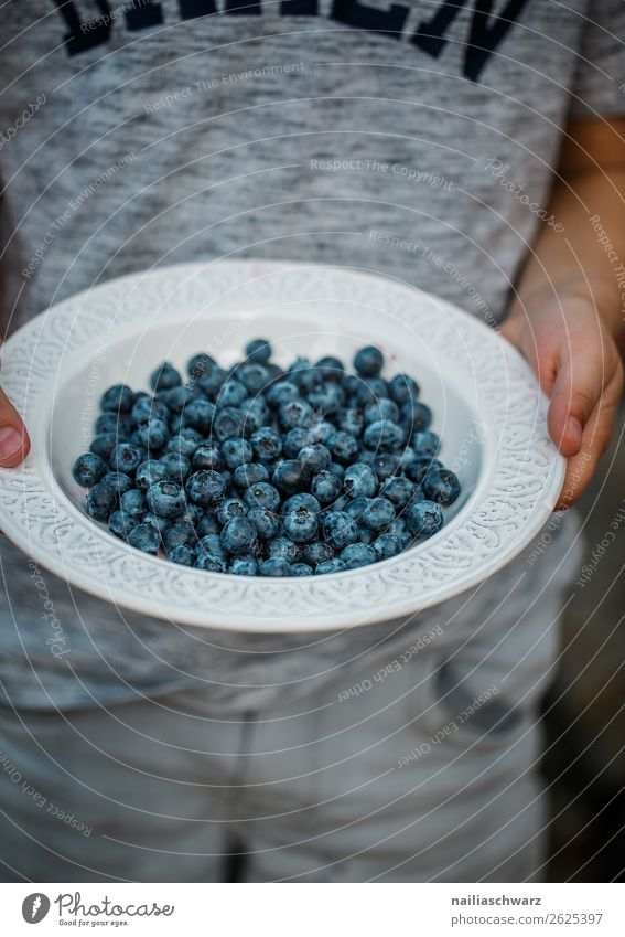 Child Human being Blue Food Natural Boy (child) Gray Fruit Nutrition Body Sweet Fresh Infancy To enjoy Joie de vivre (Vitality) Delicious