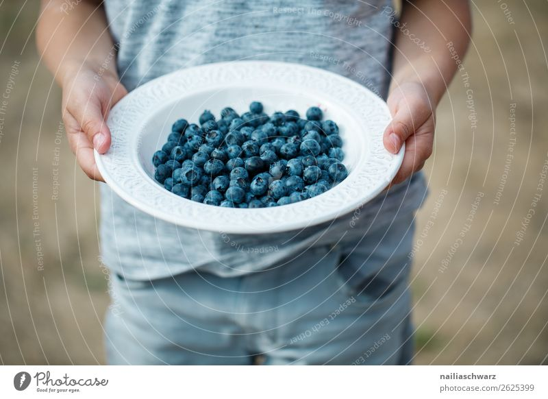 Child Human being Summer Blue Hand Food Gray Fruit Nutrition Body Sweet Infancy Happiness To enjoy Fingers Delicious