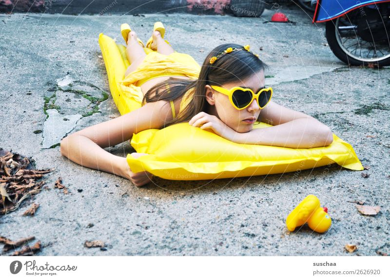 want to have the summer back II Summer Autumn Leaf Cold Longing Vacation & Travel Swimming & Bathing Air mattress Yellow Sunglasses Child Girl