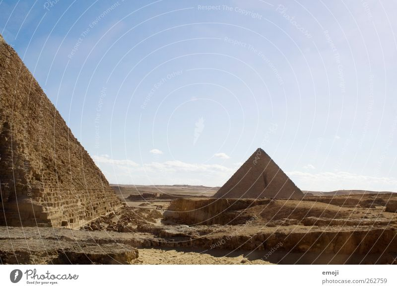 Giza Landscape Sand Sky Cloudless sky Summer Desert Exceptional Dry Pyramid Culture Cultural monument Manmade landscape Historic Historic Buildings Egypt