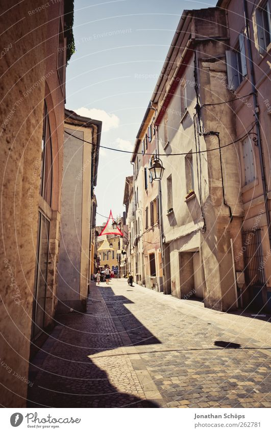 Old City Vacation & Travel House (Residential Structure) Calm Architecture Warmth Building Brown Empty Perspective Travel photography Street lighting France