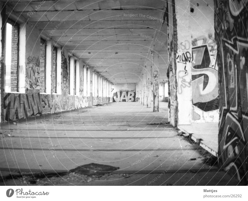 Old City Loneliness House (Residential Structure) Architecture Moody Poverty Dangerous Esthetic Broken Industrial Photography Creepy Downtown Warehouse