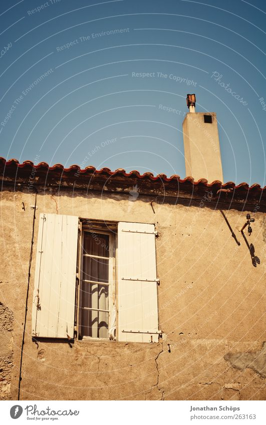 Narbonne XVIII France Southern France Village Small Town Outskirts Manmade structures Building Architecture Facade Window Roof Chimney Old Poverty Esthetic