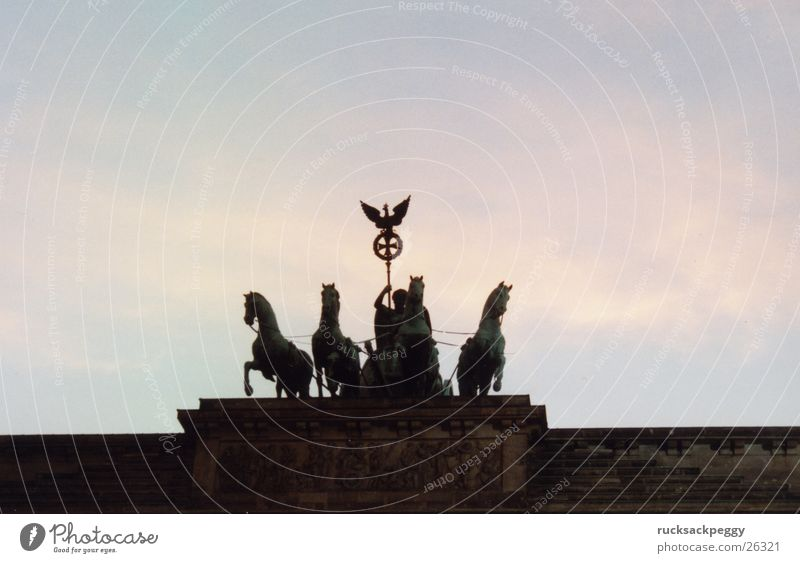 Brandenburg Gate Unter den Linden Horse Art Landmark Historic Berlin Evening Monument Tourist Attraction Dusk