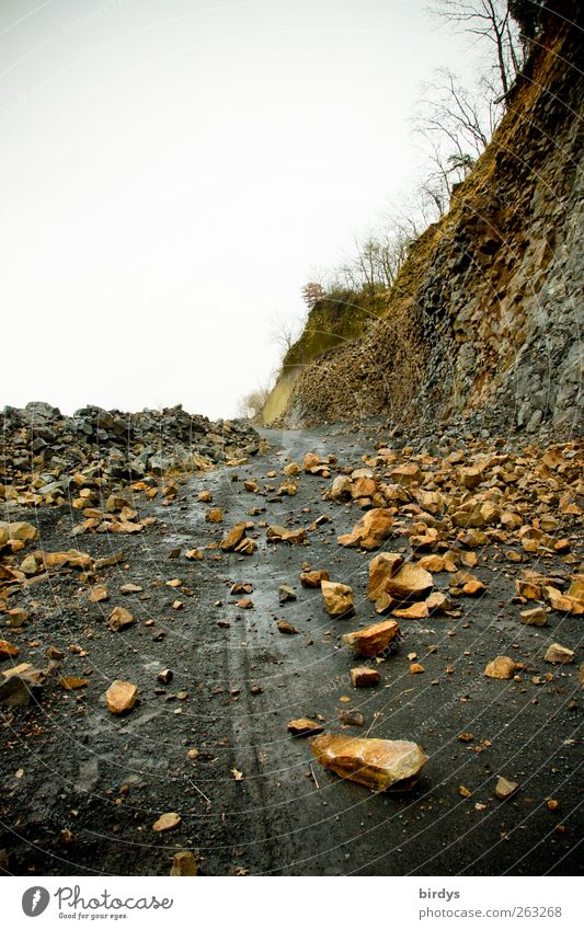 Beware of falling rocks Environment Rock Street Lanes & trails Gravel road Stone Lie Threat Original Dangerous Nature Rockfall Barrier superior violence Slope