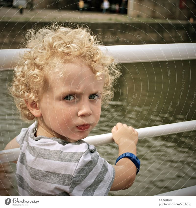 Human being Child Water Summer Emotions Boy (child) Warmth Head Infancy Blonde Masculine Trip Tourism Observe Beautiful weather Curl