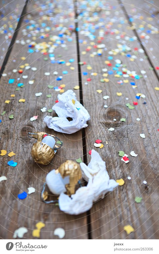 White Wood Party Moody Feasts & Celebrations Brown Gold Birthday Paper New Year's Eve Carnival Event Fairs & Carnivals Hip & trendy Entertainment Confetti