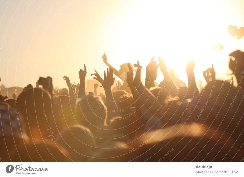 open air festival Festival Exterior shot Fan Music Rock Pop music Peoples menschen Freizeit Wochenende party sonne Sonnenuntergang Abend Abendstimmung Freiheit