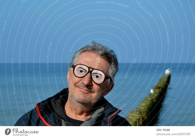 Funny glasses. Joy Face Well-being Relaxation Leisure and hobbies Trip Beach Ocean Human being Man Adults Male senior Head 1 60 years and older Senior citizen