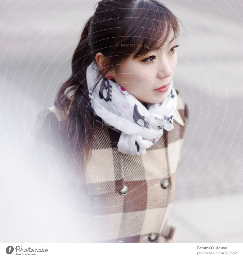 Human being Woman Youth (Young adults) Young woman Winter 18 - 30 years Adults Feminine Brown Going Leisure and hobbies Observe Culture Break University & College student Brunette