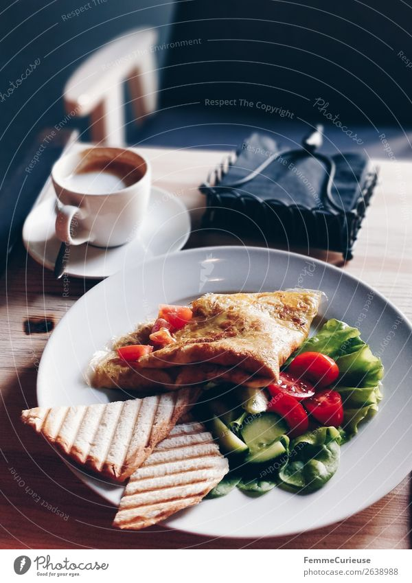 Delicious breakfast in a café: omelet, salad and toast Food Nutrition Breakfast Organic produce Vegetarian diet Diet To enjoy Toast Omelette Lettuce Coffee