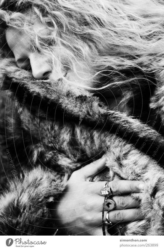 Human being Love Blonde Pelt To enjoy Ring Jewellery Luxury Well-being Fur coat Fur jacket Fur goods Fur-bearing animal Fur collar