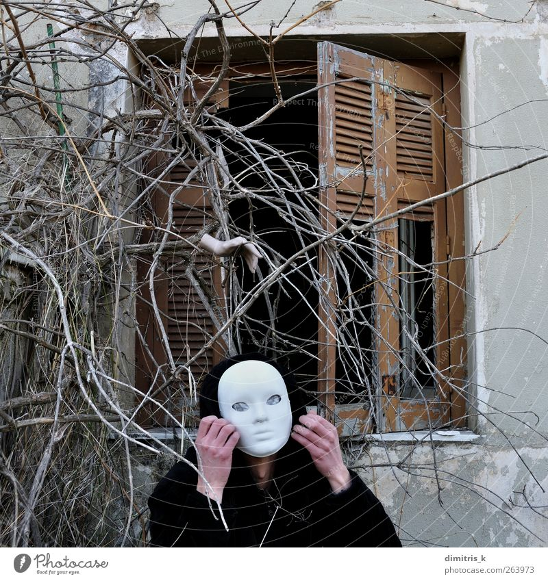 silent command Face House (Residential Structure) Hallowe'en Human being Man Adults Hand 1 Plant Ruin Old Creepy Moody Fear Horror Bizarre Surrealism mask