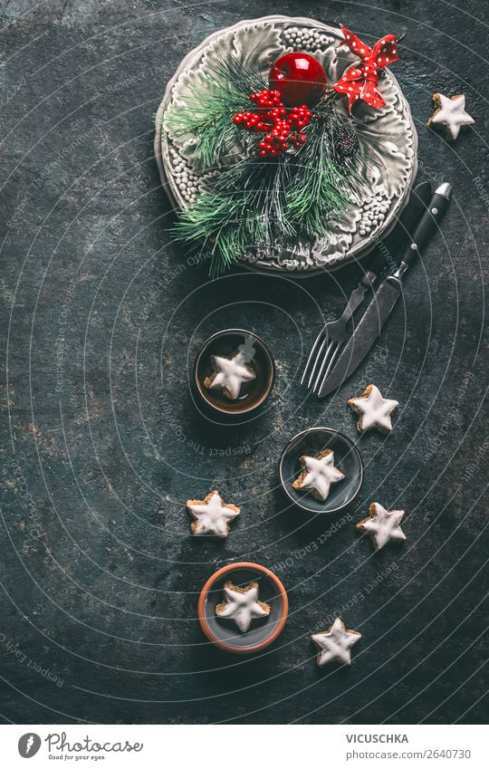 Christmas dinner table decoration with cinnamon stars Nutrition Banquet Crockery Plate Cutlery Shopping Style Design Winter Living or residing Flat (apartment)