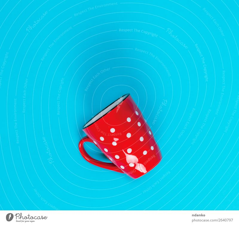 empty red ceramic mug in a white circle Breakfast Beverage Coffee Tea Cup Mug Container Simple Large Above Clean Blue Red White Colour background Single drink